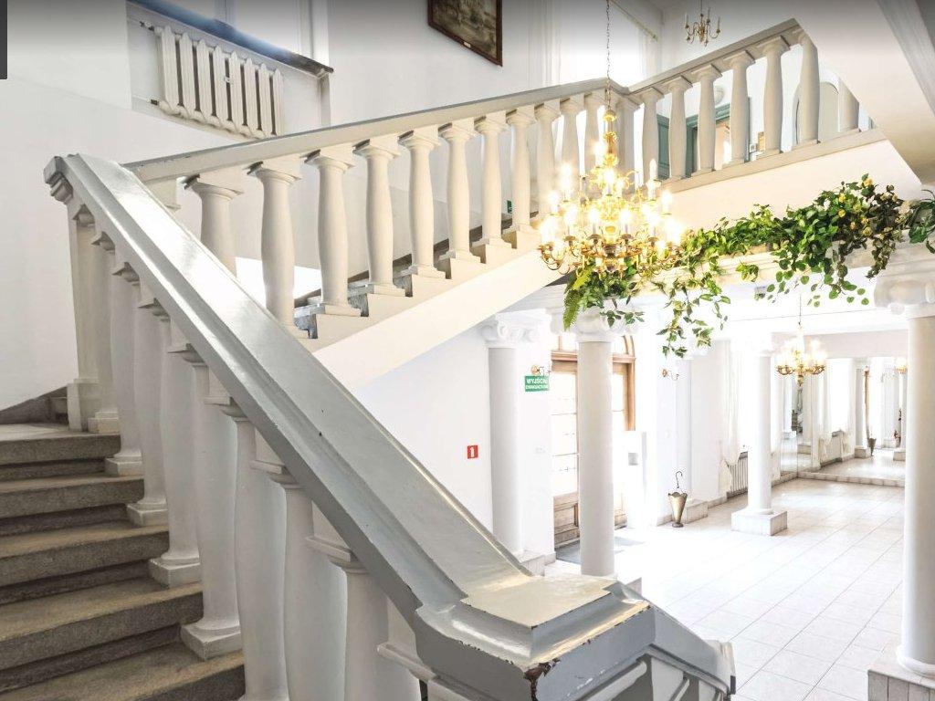 Schody na pierwsze piętro